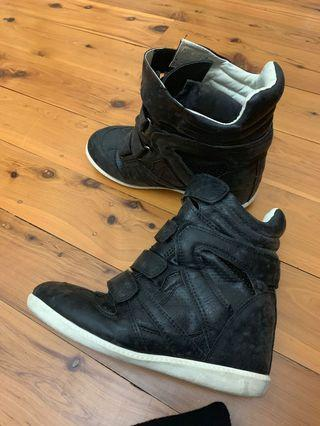 Black high top boots size 7