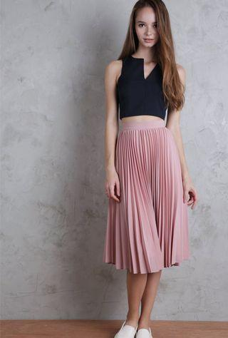🚚 TTR The Tinsel Rack Courtney Pleated Skirt in Blush Pink *Brand New*