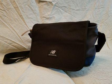 NEW BALANCE 側揹袋 (男女均適用)