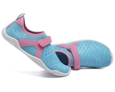 Fantini girl water shoes, size 2 little kid - light blue