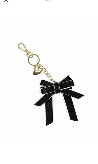 Review bow gold heart keyring- new with tags