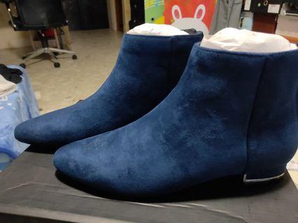Zalora blue shoes.