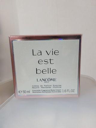 🚚 Lancome La vie est belle Body Cream