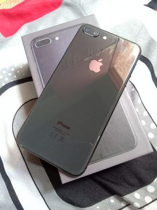 iPhone 8 plus 64gb gray