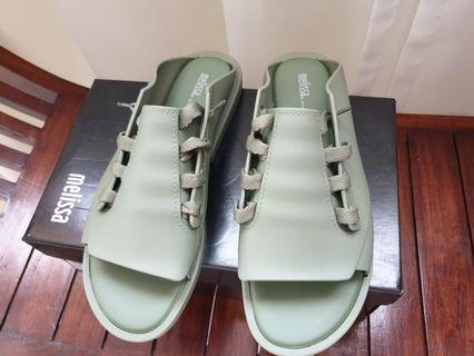 🚚 Melissa Ulitsa sandals