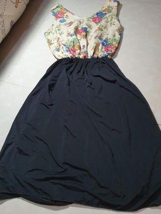 Dress floral hitam