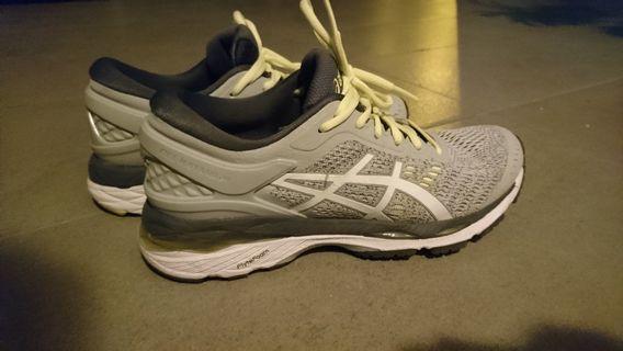 🚚 ASICS sport shoe (9/10 cond)
