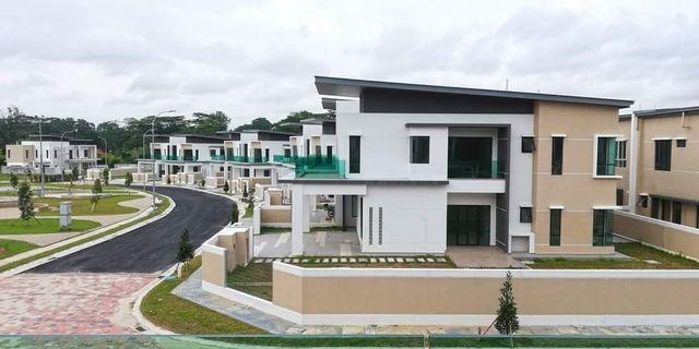 Below market value ‼️ Freehold Double storey terrace house 22X85