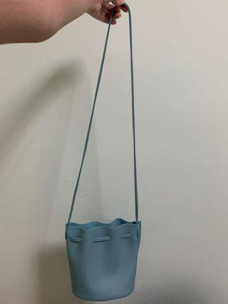 🚚 Blue Sling Bag