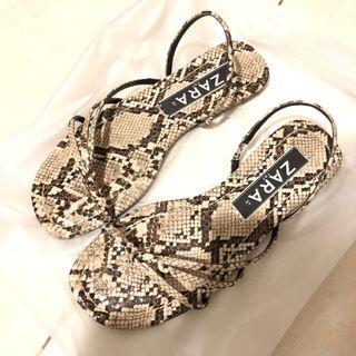 sandal motif ZARA