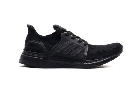 Adidas Ultraboost新配色黑魂全新 各尺寸