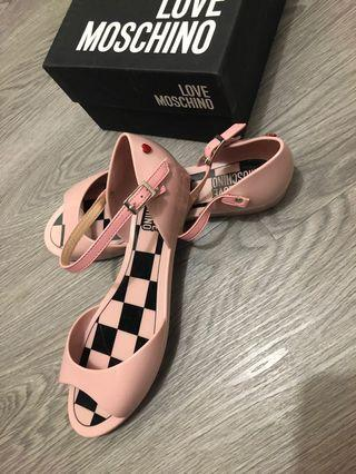 Moschino shoe (100% New) size 38