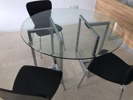 🚚 Crate and Barrel dining table and chairs