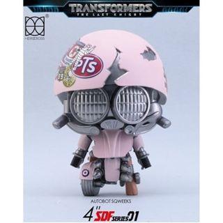 Transformer 變形金剛 終極戰士 限量版S.D.F. DX SERIES粉紅色Autobot SQWEEKS小鬼Figure