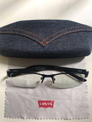 Levis spectacles