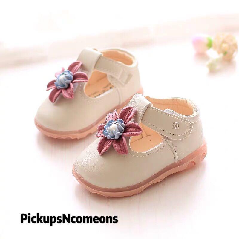 女神鞋花花🌼🌺🌸平底鞋✨魔術貼 👧🏻女童公主 🎠學步鞋❣️❣️