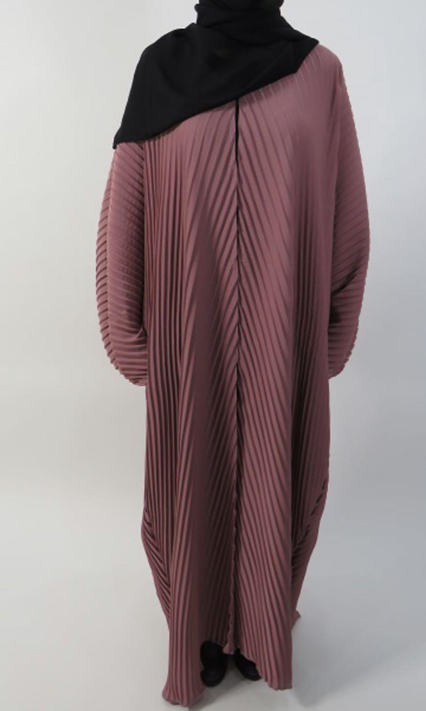 Batwing Abaya Dubai (Pleated black), Women's Fashion