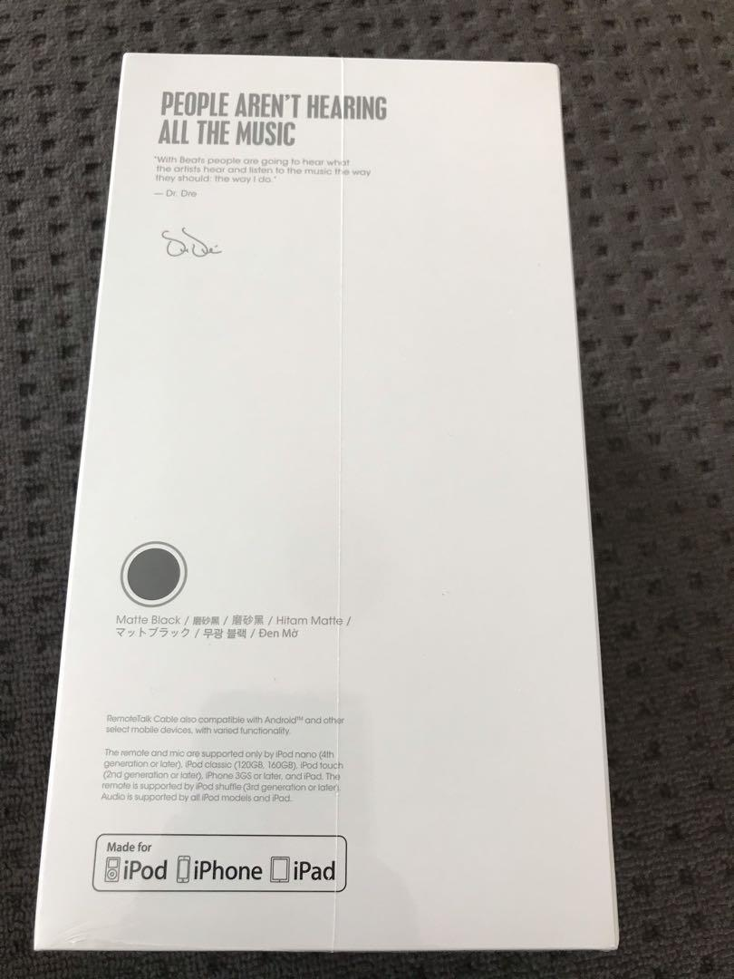 Beats solo 3 wiresless headphones matte black BRAND NEW IN BOX