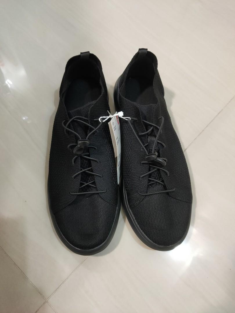 BN Uniqlo Knit-tech Sneakers (similar