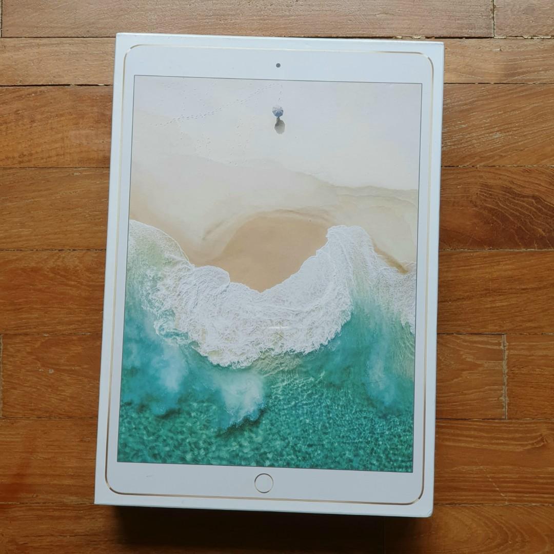 """BNIB iPad Pro 10.5"""" WiFi 512GB Gold"""
