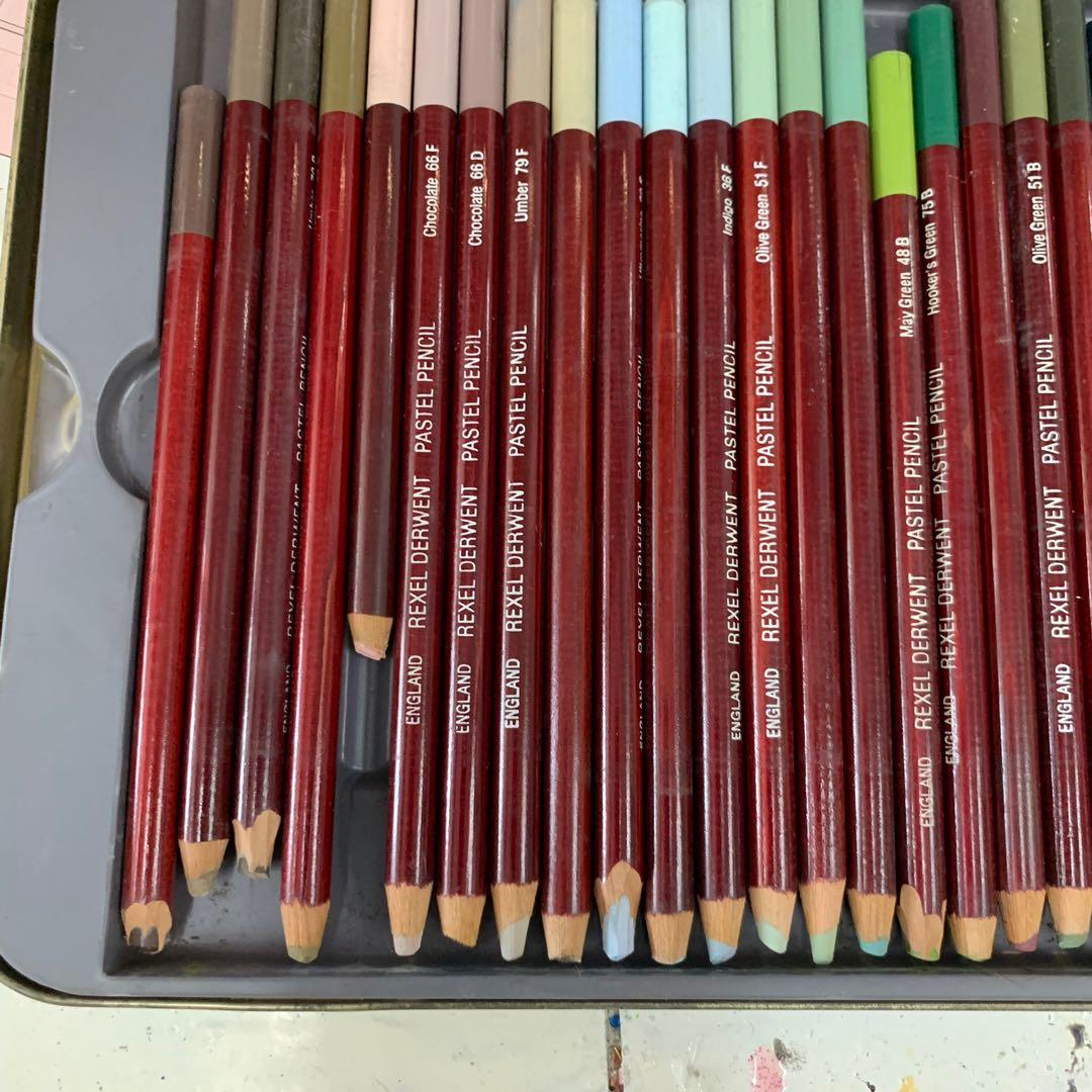 Deewent pastel color pencils 乾粉彩顏色筆 7成新 只用了半年 仲好新好長用 急清 可順豐到付 不議價不面交 必須上門自取4-10pm