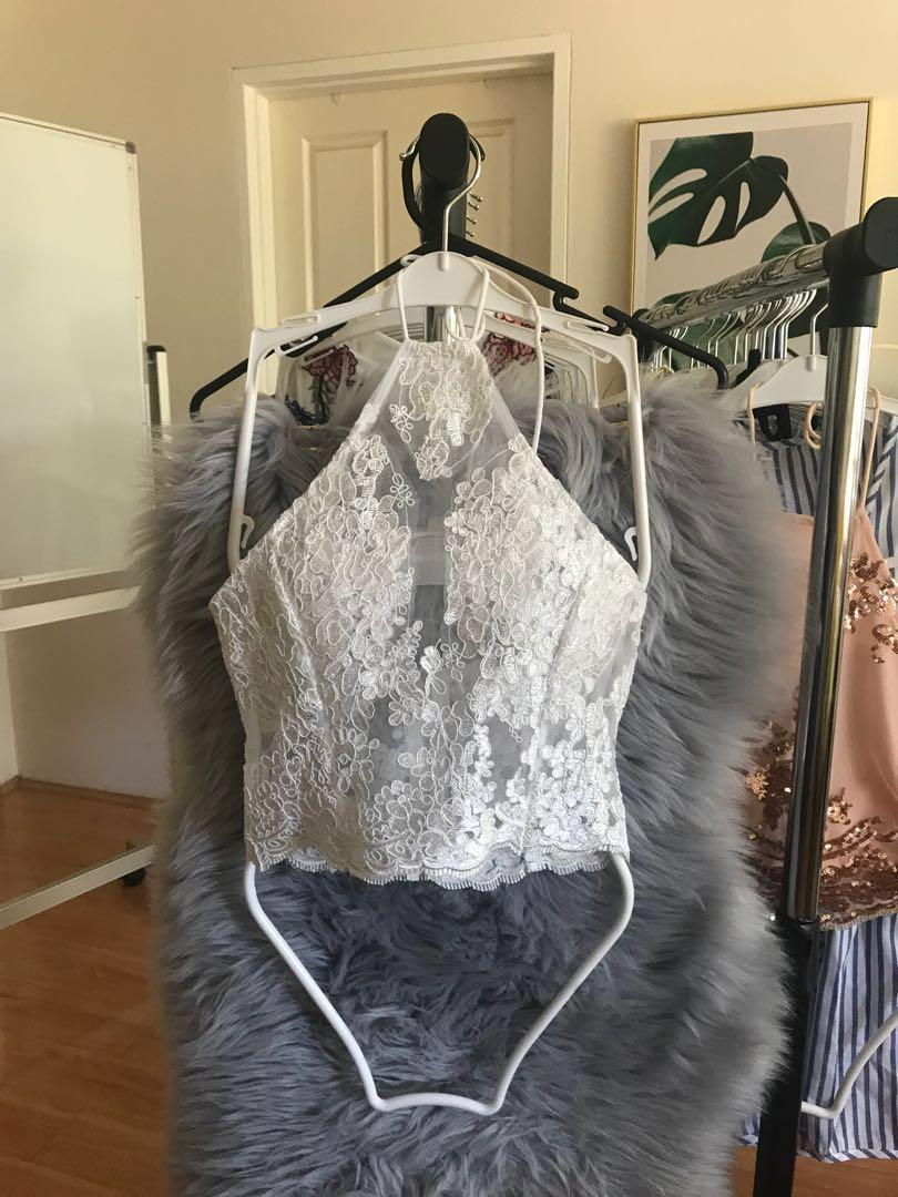 (Gold/ Sliver) European and American goddess sexy heavy embroidery lace hollow hanging neck strap halter