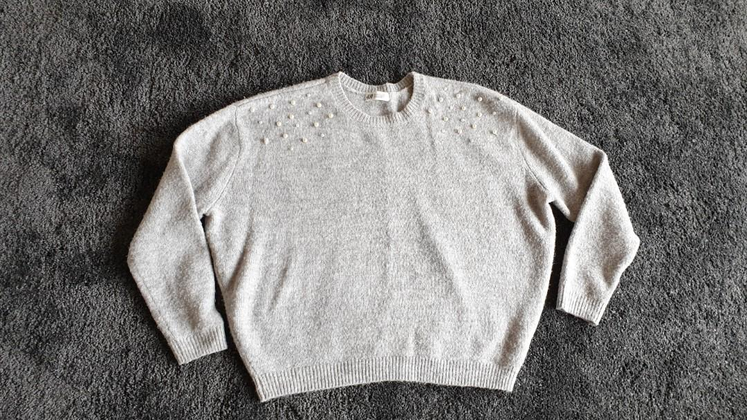 H&M Grey Ladies Jumper With Perls, Fits Size XS & S.