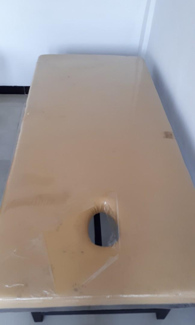 Meja kusuk / massage tempahan besi tebal dan busa juga tempahan tebal #maugopay