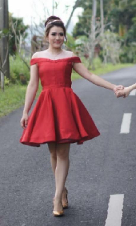 FREE BONUS!! Khusus pembelian red dress- prewed/prompt dress ini!😉