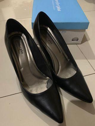 Black heels size:8.5 #maugopay