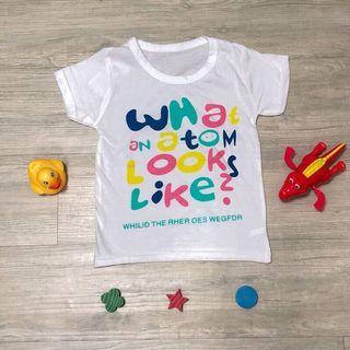 🚚 全新現貨~彩色英文字母兒童T恤 男童 女童 童裝 (尺寸90)夏日輕薄透氣純棉上衣