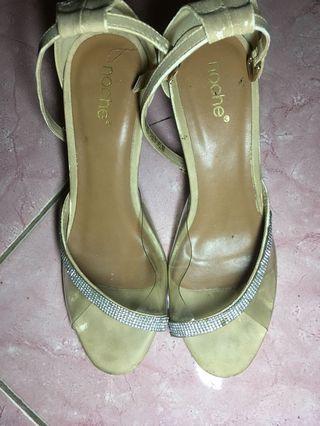 Noche heels