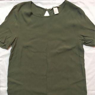 H&M 墨綠色上衣