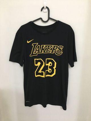 Nike NBA Lakers Lebron James 湖人隊 黑底黃字 短袖上衣 CJ0776-010