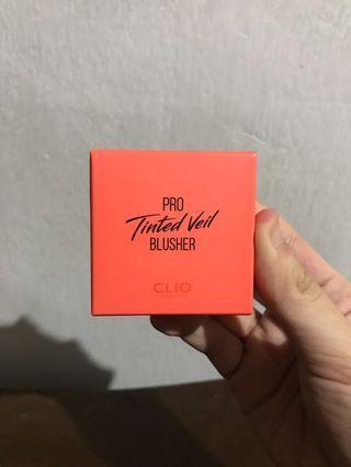Clio Pro Tinted Veil Blusher