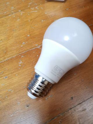 BEACON LED Light Bulb(2700K)(WARM WHITE)