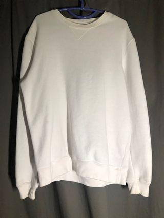 🚚 Pull & Bear White Sweater
