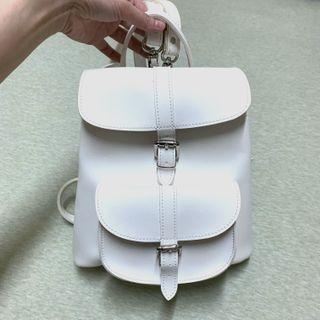 類英國品牌合成皮革清新小後背包9.5成新
