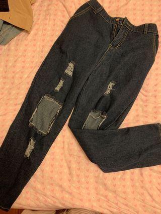 🚚 破洞彈性牛仔褲👖