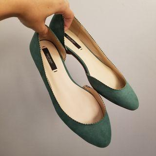 New ZARA emerald green suede flats