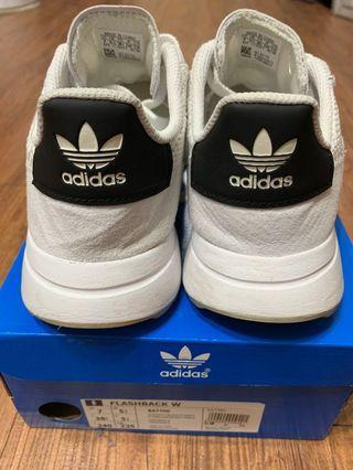Adidas 李聖經同款