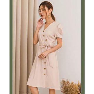 BNWT Chasing Sunset vintage sleeved sash Dress Size M