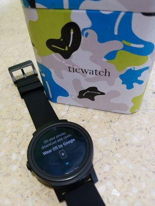 Ticwatch E Google Wear Smart watch 智能手錶 手環 運動 Mobvoi