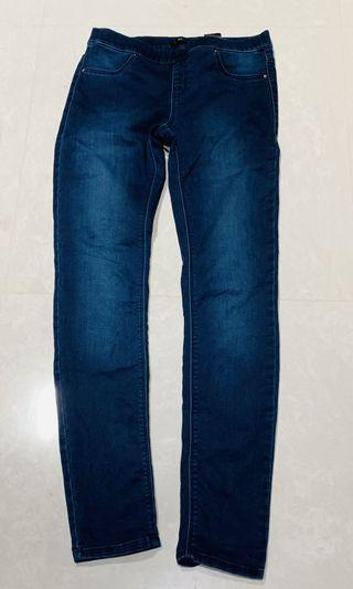 🚚 BNWOT H&M Dark Blue Jeans/Jeggings