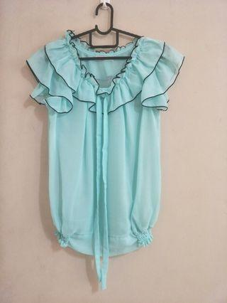🚚 Sheer turqoise blouse small size