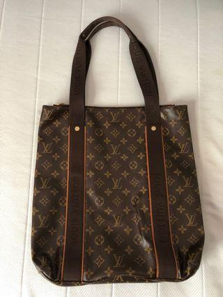 Louis Vuitton LV Monogram Cabas Beaubourg M53013