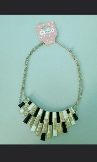 🚚 Necklace (Statement Necklace)