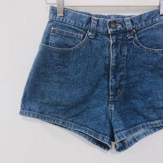 🚚 Vintage 90's Style Medium Wash Denim Shorts