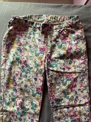 Celana motif bunga