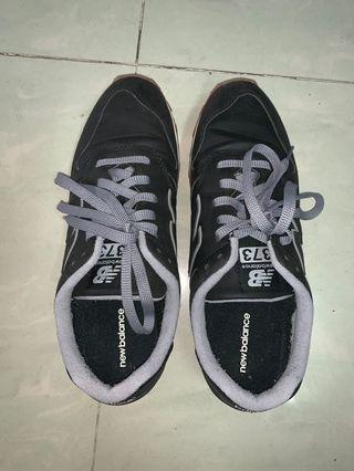 NEW BALANCE波鞋42碼